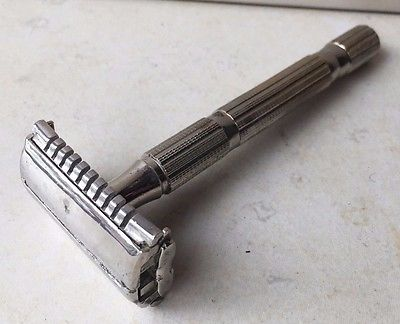 Plastic vs. metal razors!